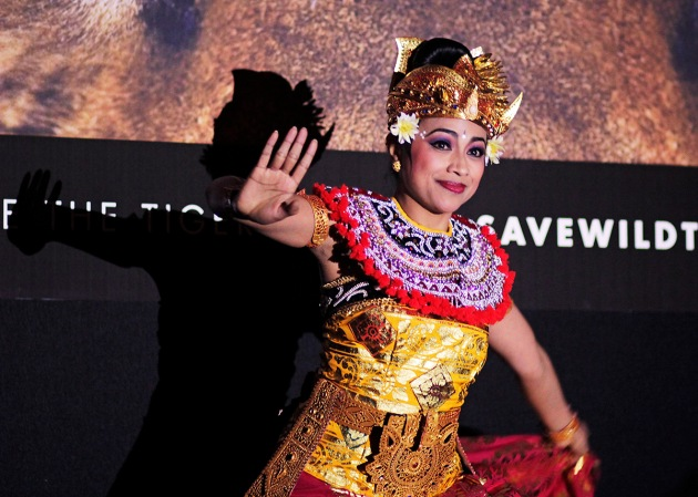 Balinese dancer performing at the Mandarin Oriental Hotel, Knightsbridge, London